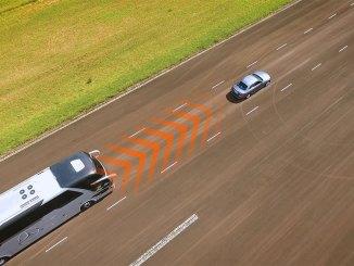 Piloto automático adaptativo (ACC) da Mercedes-Benz