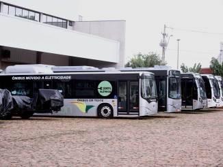 projeto piloto com 15 ônibus da BYD