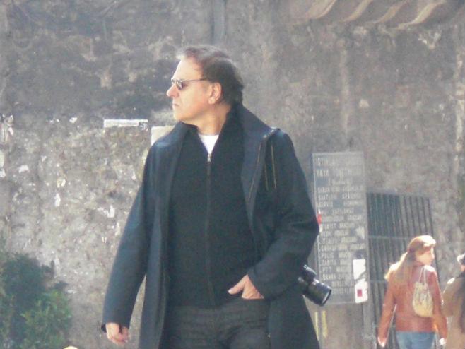 28 Mart 2009 Cumartesi sabahı Saat 10.25, Ümit Kireççi Taksim sokaklarında gezen Enki Bilal'i tesadüfen görüntüler...