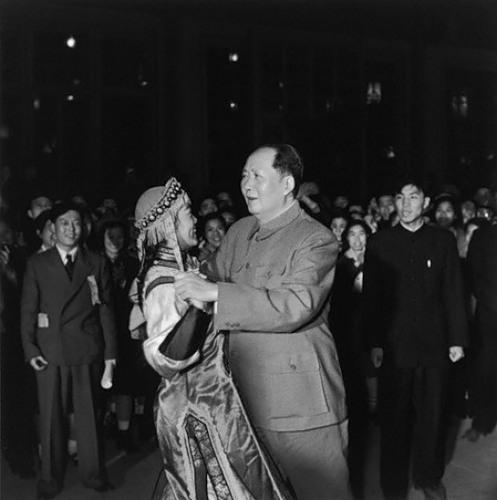 Mao Kültür Devrimini ilan etti