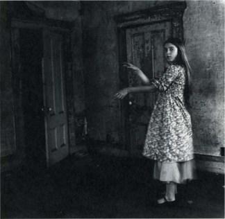 Francesca Woodman: Bir melek olmak üzerine 25