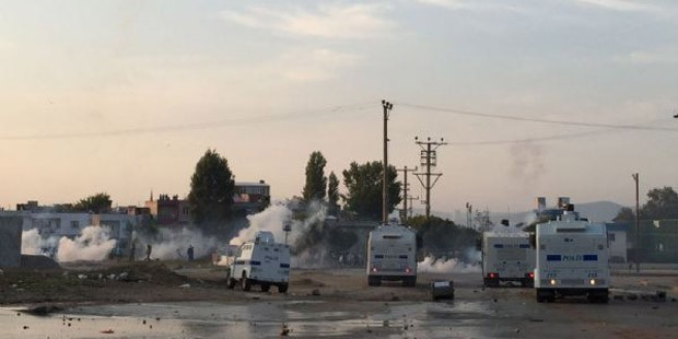 Kobane protests in Turkey: At least twelve reported dead 4