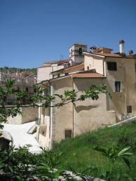 Alfedena, Casamento Brunetti (sec.XVII), ricostruito dopo il terremoto. Foto Simona Cecilia Crociani Baglioni Farcas © - Agenzia Euroitalia