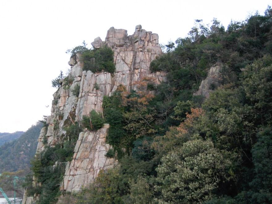 秦 石畳神社