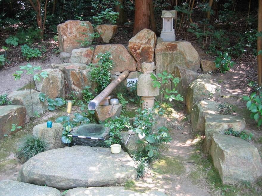 安仁神社:境内社 水神宮