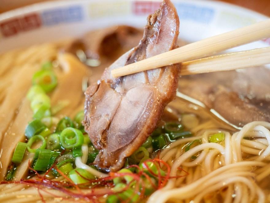 お多津:笠岡ラーメン 大盛りのカシワ肉