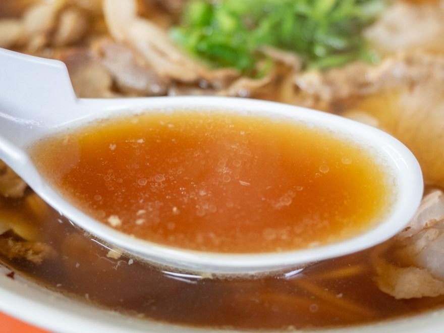 マル栄:中華そば 大のスープ
