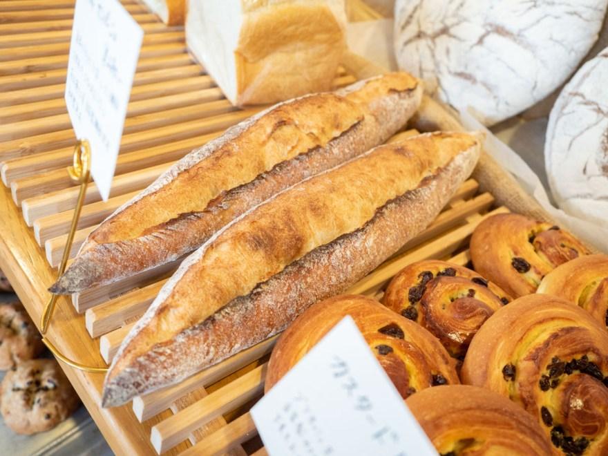 ソウモクコーヒー・ブランジェリー・ブラッスリー・フジワラ:パン売場