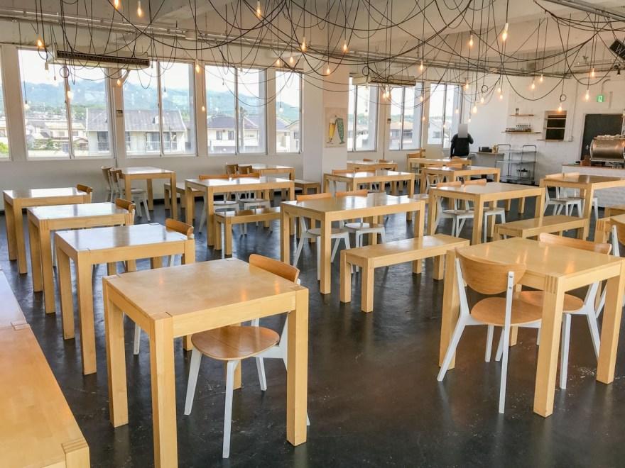 インダストリー:2階のカフェ