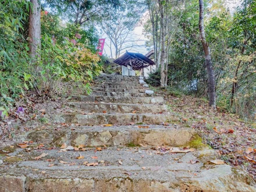 石上布都魂神社:参道