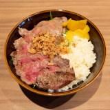 【メゾンドシェフごはん】赤城牛ステーキとピラフを丼&オムライスで楽しめる!肉は赤身と霜降が選べる(福山市三之丸)