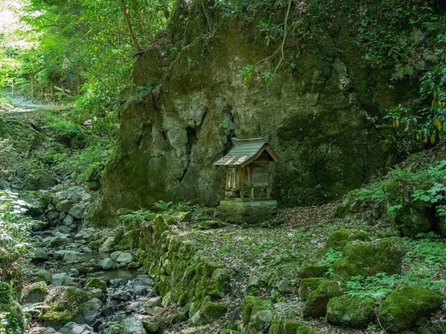 穴門山神社:社頭にある境内社