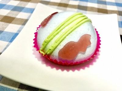 セブン_スイーツ_金魚鉢みたいなケーキしゅわっとラムネソーダ味_02