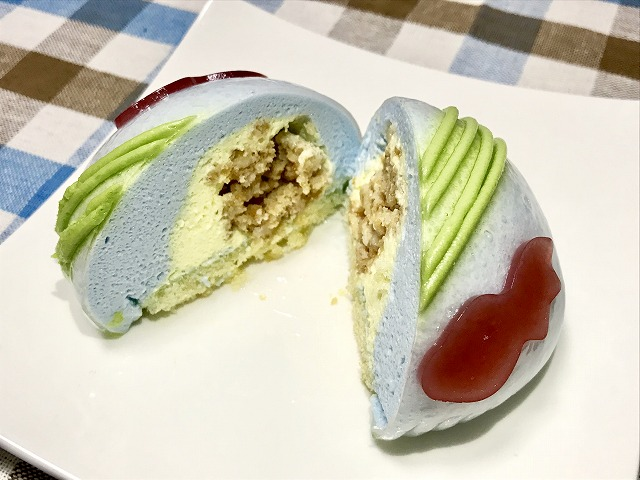 セブン_スイーツ_金魚鉢みたいなケーキしゅわっとラムネソーダ味_05