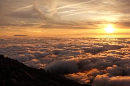 笠ヶ岳山荘からの夕日