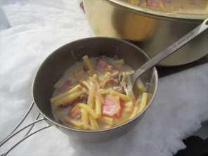 暖かいクリームスープのパスタ
