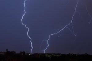 flashes-night-weather-thunderstorm-68197-large