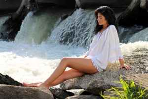 girl-cascada-white-shirt-160676