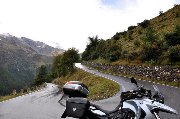 Going up the Gavia Pass