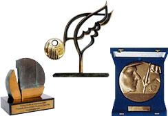 Awards won by FVC and its initiatives, NOVA ESCOLA and VEJA NA SALA DE AULA, in 2000