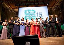 Os premiados, 10 professores e uma gestora escolar, em cerimônia na Sala São Paulo