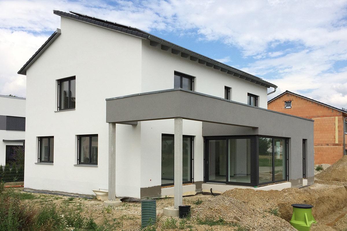 Gartengestaltung Einfamilienhaus Natacharoussel Com