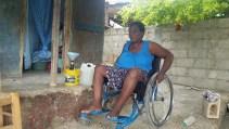 Une courageuse vendeuse d'essence a perdu l'usage de ses jambes. La cause ? Inconnue …