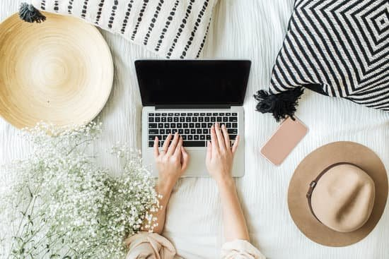 8 WAYS BUSY WOMEN STAY PRODUCTIVE