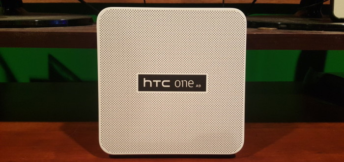 HTC One A9 box