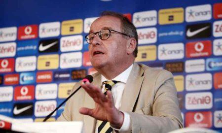 χούμπελ FIFA ΕΠΟ