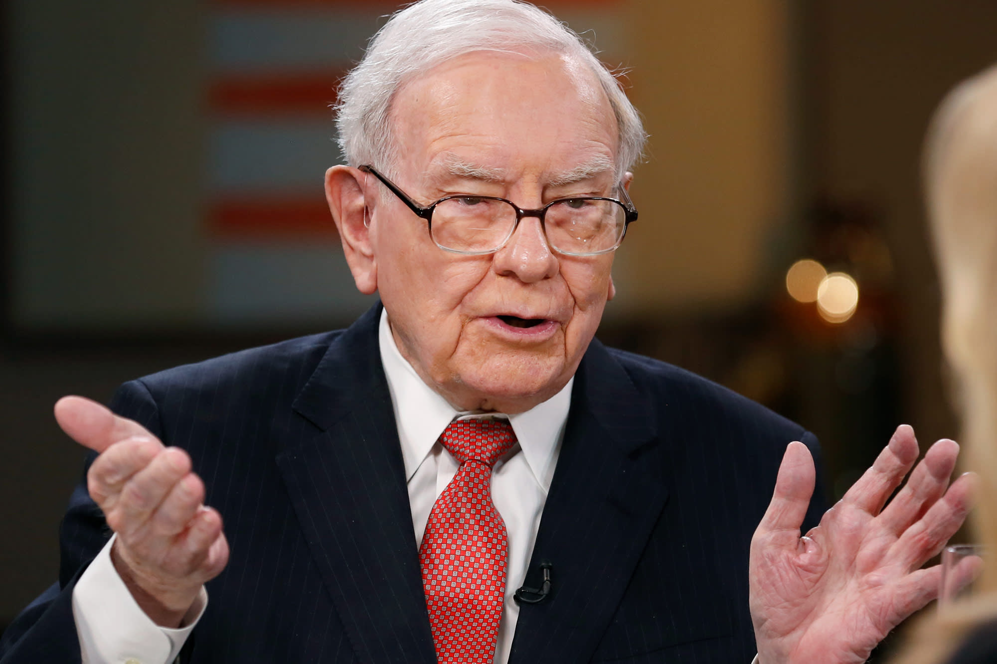 Buffett watchers keen for large acqusition in Berkshire Hathaway letter