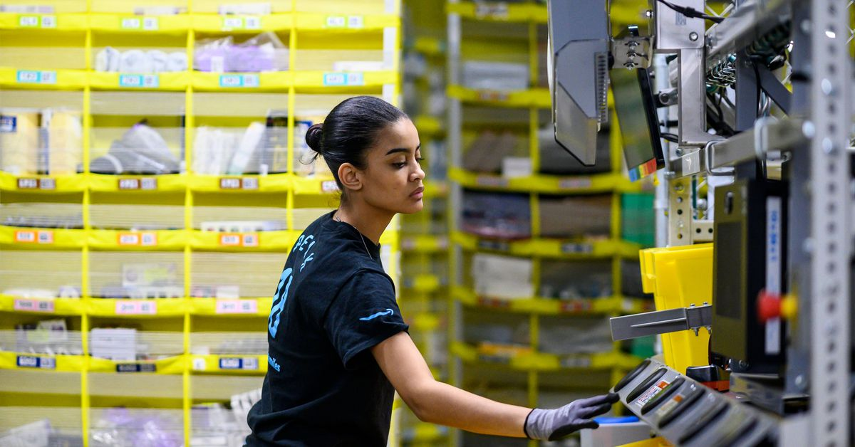 Amazon tells Sanders and Warren that warehouse employees are free to pee
