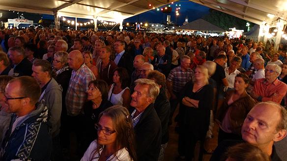 Publiken gillade vad de hörde när Kikki Danielsson framförde alla sina hits under Göteborgs   Kulturkalas. Foto: Peter Ahlborg