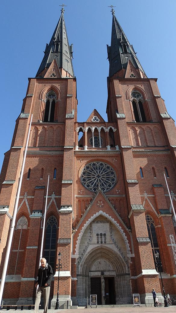 Med sina 119 meter är Uppsala domkyrka den största kyrkan i Norden. Foto: Peter Ahlborg