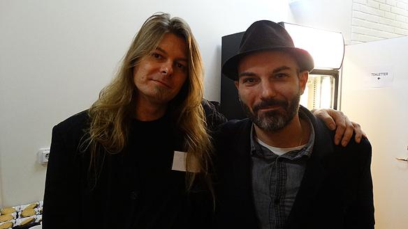 Aaron Israelson, chefredaktör för Faktum och Peter Ahlborg tillsammans  efter att Peter Ahlborg pratat om sitt liv för de inbjudna sponsorerna. Foto:  Christian Jansson