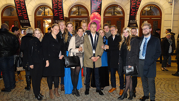 Stolta Faktumjurister tog emot det fina priset årets Faktumpris. Foto: Peter Ahlborg