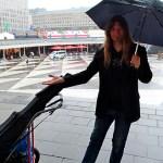 Regnet och det dåliga vädret stoppar inte Peter