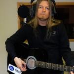 Peter Ahlborg klar med känslosamma låten I ditt kärlekshjärta vill jag bo