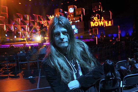 Peter Ahlborg bevakar fredagens Melodifestivals bidrag i Göteborg. Låtarna håller hög klass i olika musik stilar. Det finn en klar låt och några jokrar och eventuellt en riktig skräll, säger Peter Ahlborg.