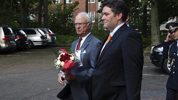Den 30 april 2016 fyller våran kära kung Carl XVI Gustaf 70 år det kommer firas stort. Många blombuketter och grattulationer kommer det att bli. Foto: Peter Ahlborg