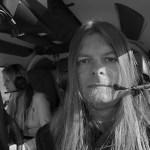Peter Ahlborg och dottern Josefine flyger helikopter över Vänersborg