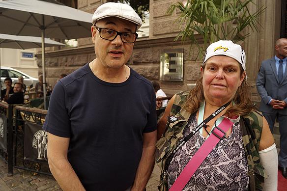 Bitte Pettersson möter basisten i E Street Band Roy Bittan. Foto: Peter Ahlborg