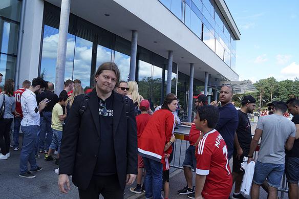 Peter Ahlborg bevakar Zlatan Ibrahimovic och Manchester United när de besöker storslagna hotellet Sankt Jörgen Park på Hisingen. Foto: Charlie Källberg