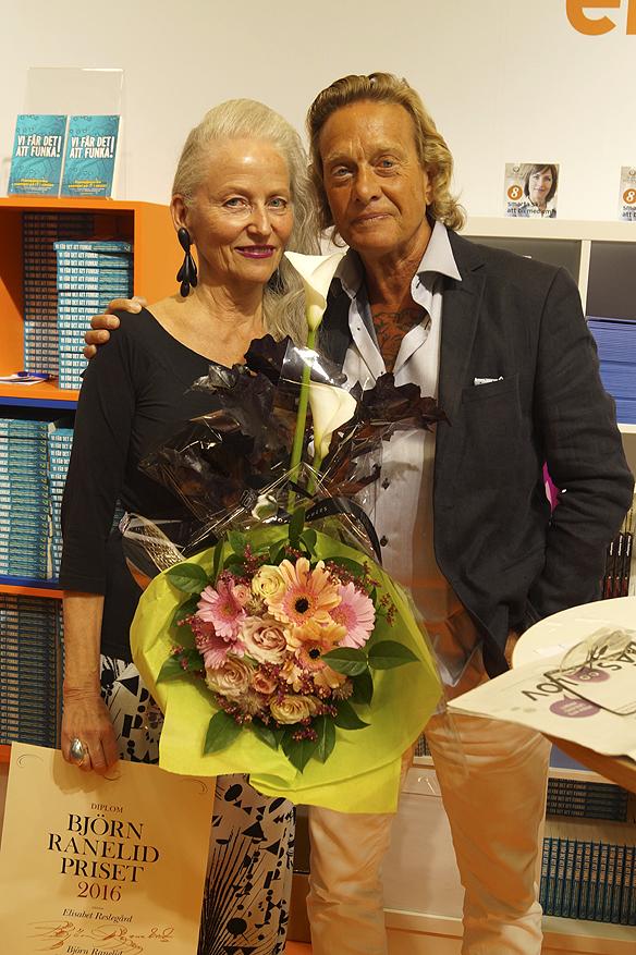 Elisabet Reslegård fick Björn Ranelidpriset 2016 på bokmässan i Göteborg. Foto: Peter Ahlborg