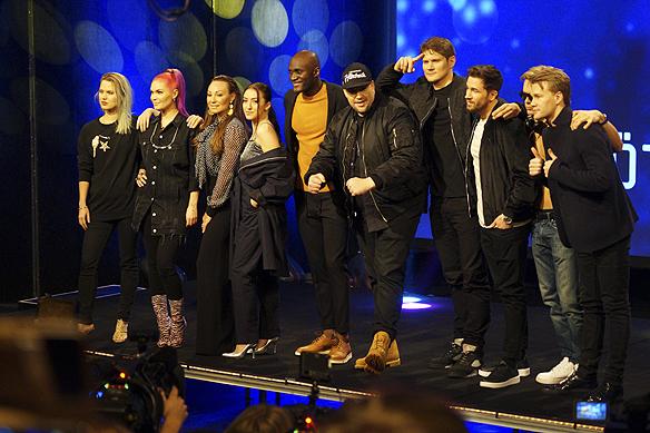 Här är artisterna som ska tävla i Melodifestivalen i första deltävlingen från Göteborg 4 februari 2017. Från vänster: Ace Wilder, Dinah Nah, Charlotte Perrelli, Adrijana, Boris René, Nano och gruppen De Vet Du. Foto: Peter Ahlborg
