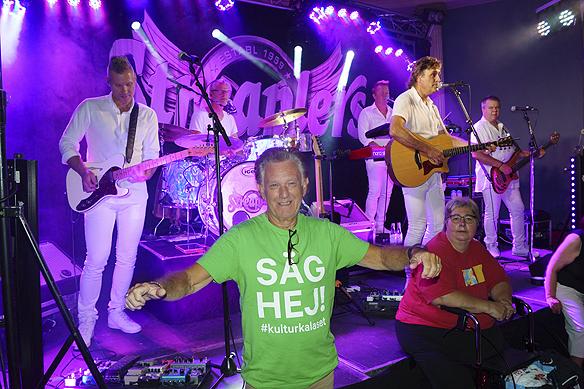 Dansbandet Streaplers spelade på Valand i torsdags. Men det är restaurangen Valand som betalar ut gaget. Så är det även för restaurangen Kajskjul 8. Hade de restaurangerna inte gått in och betalat ut lön till artisterna så är sannolikheten stor att vi varit utan dansband detta år på Kulturkalaset, säger Bjarne Lundqvist kritiskt. Foto: Peter Ahlborg