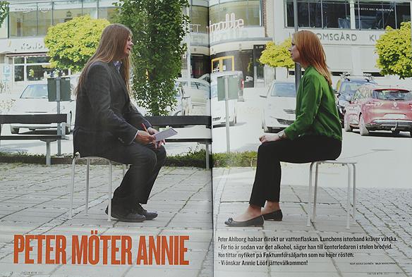 """Peter Ahlborg gör en intervju med Annie Lööf i Nässjö i juni 2017, under parollen """"På heta stolen Peter möter Annie"""". Foto: Mario Prhat"""