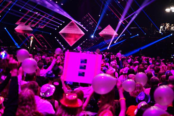 Nu sätter Melodifestivalen 2018 snart igång. Turnépremiär blir det i Karlstad den 2 februari 2018. Andra städer som får besök under Melodifestivalen är Göteborg, Malmö, Örnsköldsvik, andra chansen i Kristianstad och final i Stockholm den 10 mars 2018. Foto: Peter Ahlborg