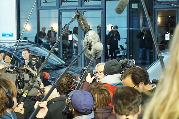 Det var stort intresse från massmedia att bevaka när Europeiska kommissionens ordförande Jean-Claude Juncker, som var värd för toppmötet tillsammans med Sveriges statsminister Stefan Löfven, anlände till EU toppmöte i Eriksberg fredagen den 17 november 2017. Foto: Peter Ahlborg.
