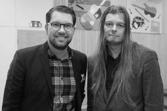 Jimmie Åkesson besöker Vänersborg den 5 mars. Peter Ahlborg fick en intervju med Sverigedemokraternas partiledare Jimmie som bland annat fick frågor om hemlösheten, utanförskapet och hur det går att få ihop fritids aktiviteterna golv och musik med den politiska karriären. Foto: Privat